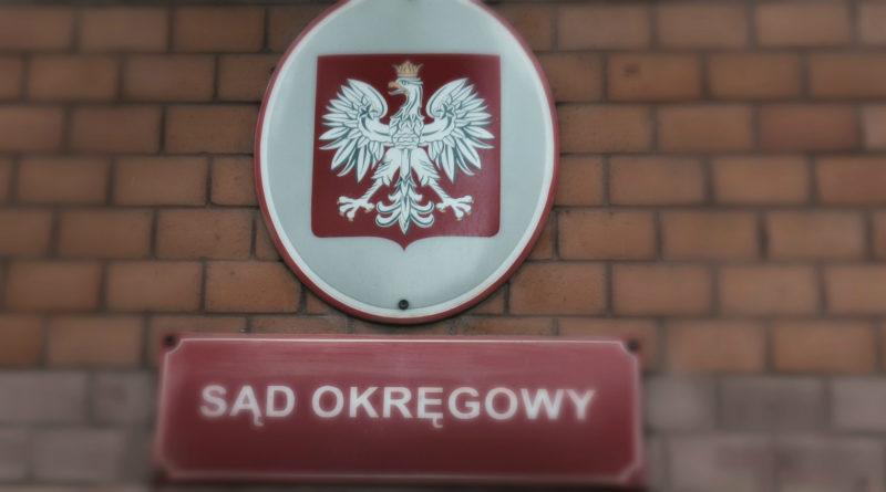 Czy prawo w Polsce schodzi zygzakiem na bok?