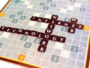 Krzyżówka ze słow Marketing, internet, web oraz technology