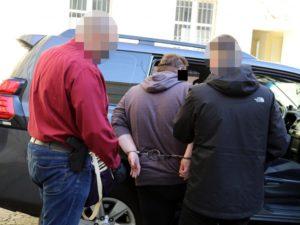 aresztowanie oszusta