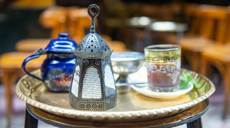 ramadan - latarnia, posiłek